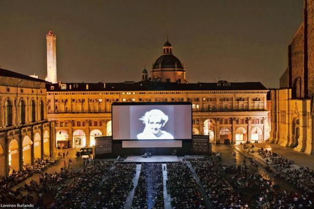 A screening at Piazza Maggiore. Photos: Lorenzo Burlando