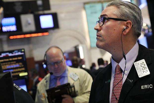 Dow Jones Industrial Average nears 22000-point milestone