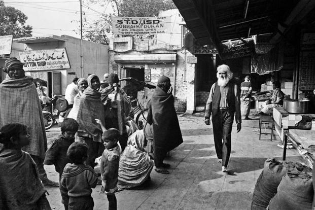 Walking barefoot through Nizamuddin Basti.