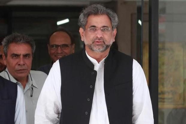 The Chinese ambassador conveyed the congratulatory message of the Chinese premier Li Keqiang to Prime Minister Shahid Khaqan Abbasi on election as the prime minister of Pakistan. Photo: Reuters