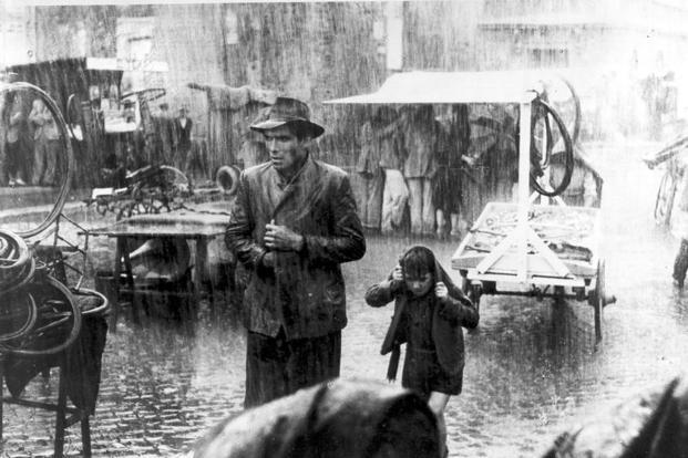 A still from 'Bicycle Thieves'.