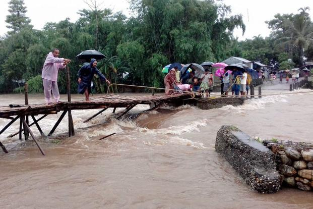North Bengal remains cut off, floods toll touches 12