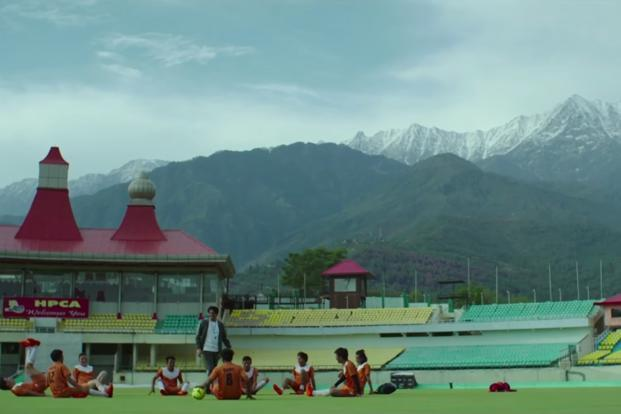 Created by advertising agency Lowe Lintas, the over 4-minute-long film opens with a football practice session where the coach is chatting with the players and pushing them to practice hard.