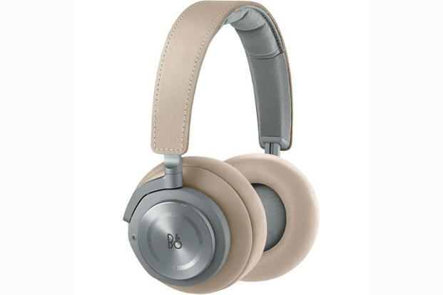 Bang and Olufsen BeoPlay H9 headphoneis priced at Rs39,990.