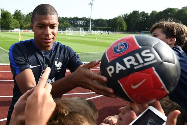 PSG have an option to buy Kylian Mbappe at the end of his loan deal. Photo: AFP