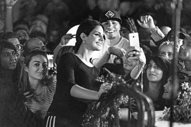 Lana Del Rey engaging with fans. Photo: AFP