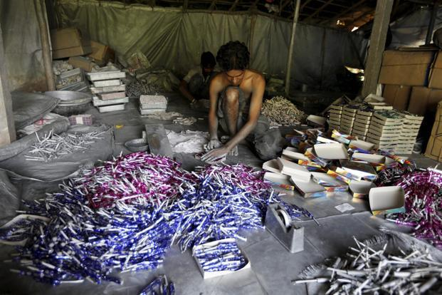 On 25 November 2016, the apex court had banned the manufacture and sale of firecrackers in NCR to stem air pollution in Delhi and neighbouring towns. Photo: PTI