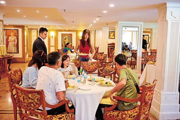 Guidelines were issued in April 2017 to hotels and restaurants for not levying service charge compulsorily. Photo: Pradeep Gaur/Mint
