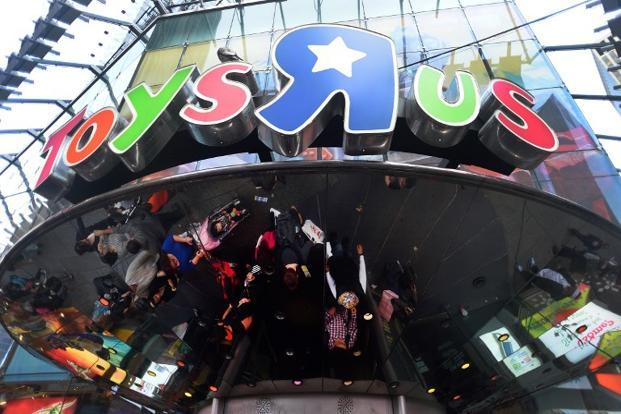 Toys 'R' Us CEO Dave Brandon plans to refocus the chain on in-store experiences and spruce up its marketing—beyond using a decades-old commercial jingle. Photo: AFP