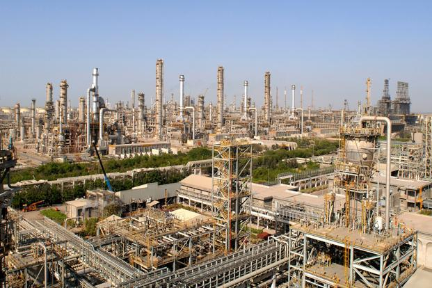 Reliance operates two oil refineries at the Jamnagar complex with an installed capacity of 1.2 million barrels per day (bpd), or 60 million tonnes per year, making it the world's largest oil refinery. Photo: AFP