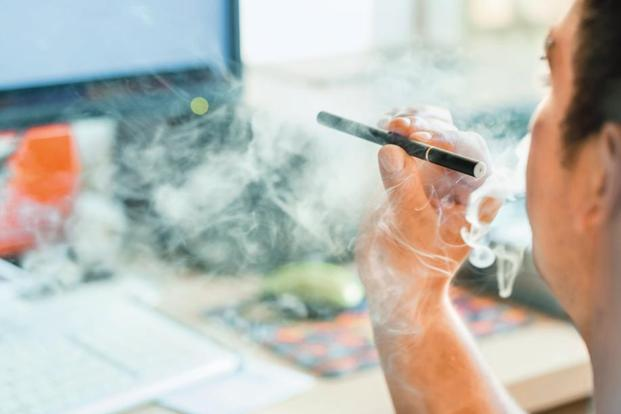 Anti-Smoking Campaign Endorses Using E-Cigarettes