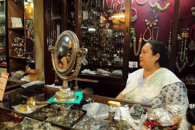 You May Soon Be Able To Sell Antiques Without A Licence