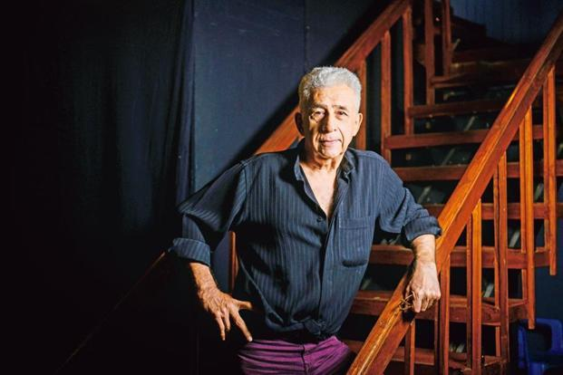 Naseeruddin Shah backstage before a show. Photo: Aniruddha Chowdhury/Mint