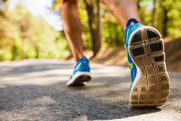 Start your run with a gentle walk. Photo: iStockphoto (iStockphoto)