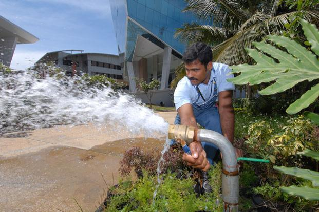 A file photo of a borewell. The draft guidelines call for a water conservation fee based on quantum of groundwater extracted, to be paid to states. Photo: Hemant Mishra/Mint (Hemant Mishra/Mint)