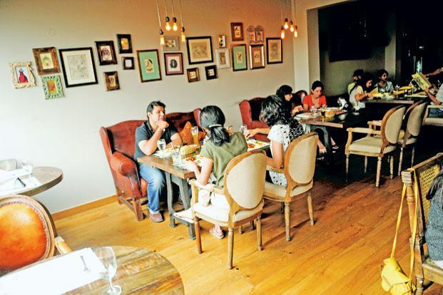 The GST Council is open to lowering the 18% tax on AC restaurants and 12% on non-AC ones. Photo: Pradeep Gaur/Mint (Pradeep Gaur/Mint)