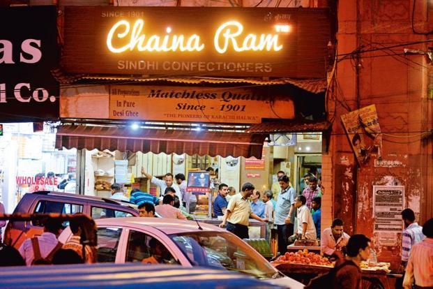 Chaina Ram Sindhi Confectioners at Fatehpuri Chowk. Photographs: Pradeep Gaur/Mint. (Pradeep Gaur/Mint.)