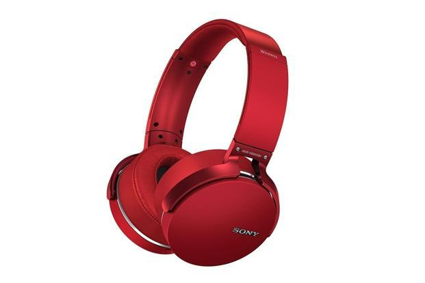 Dubbed as extra bass headphones by Sony, Sony XB950B1 can deliver deep and powerful bass.