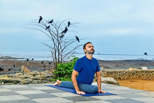 Yoga teacher Abhishek Sharma believes men are often intimidated by a yoga class because women tend to be naturally better at yoga than them. Photo: Aniruddha Chowdhury/Mint