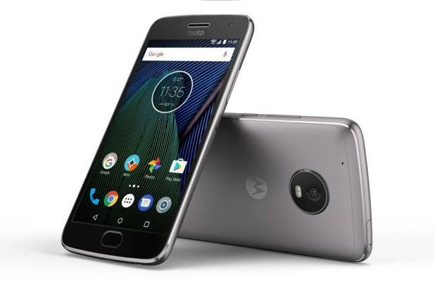 Moto G5 Plus with 64GB storage is available for Rs13,999 in the ongoing Flipkart sale.