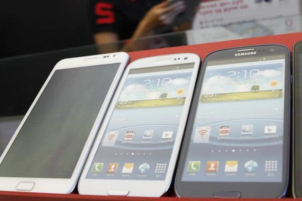 Samsung, Xiaomi, Vivo, Oppo and Lenovo account for 75% of total smartphone shipments in India. Photo: Reuters