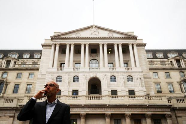 Nationwide cuts fixed rate mortgages as Bank of England mulls rate rise