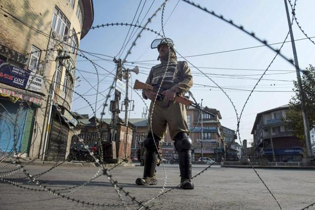 Pulwama encounter: One security personnel killed, one civilian injured
