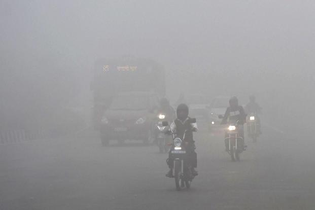 The levels of the deadliest, tiny particulate matter — known as PM 2.5, which lodge deep in a person's lungs — soared overnight on 8 November to 726, according to a US embassy monitor. Photo: PTI