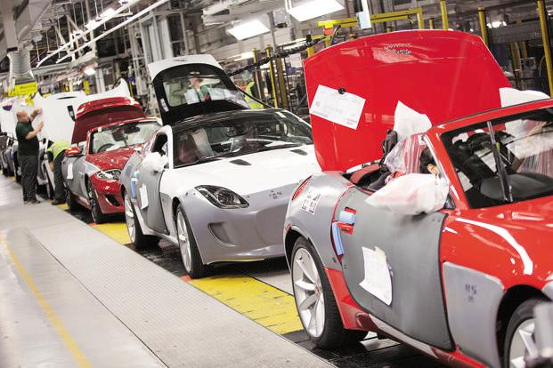 Tata Motors shares down 4%; mcap dips by Rs 5095 cr