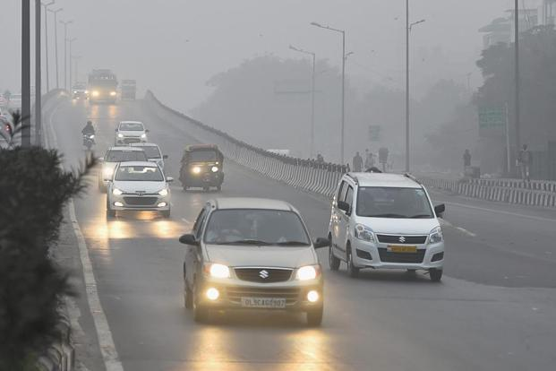 The smog situation prevailed for a fifth day in Delhi on Monday. Photo: PTI