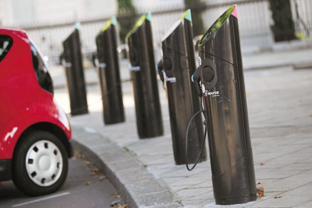 India currently has about 350 charging points, while China had about 215,000 installed at the end of 2016. Photo: Reuters