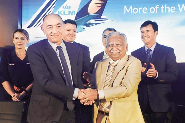 Air France-KLM chairman Jean-Marc Janaillac (left) and Jet Airways chairman Naresh Goyal. Photo: PTI