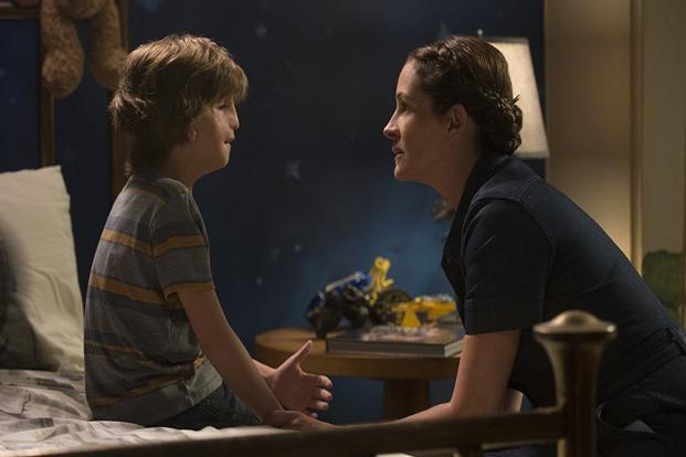Jacob Tremblay and Julia Roberts in a still from 'Wonder'.
