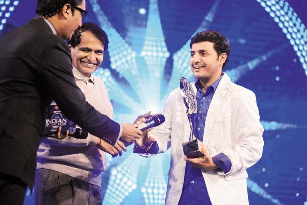 Afroz Shah, a lawyer who led the volunteer campaign to clean up Mumbai's Versova beach, receives Indian of the Year award in the public service category. Photo: Pradeep Gaur/Mint