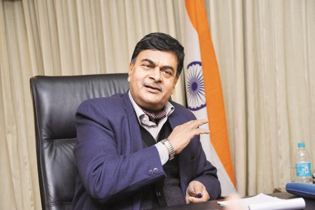 Need to bring losses below 15% for 24X7 power: RK Singh
