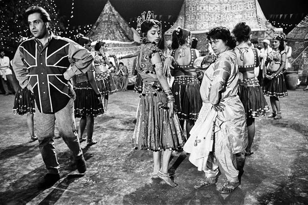 Saroj Khan worked with Madhuri Dixit on many films and won Filmfare's first Best Choreographer award for 'Ek Do Teen' in 'Tezaab' (1988).