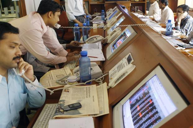 Sensex reclaims 33000-mark amid retail buying