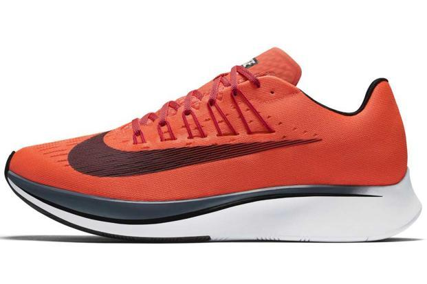 Nike Zoom Fly has a classy upper, which has a rather smooth texture finish,