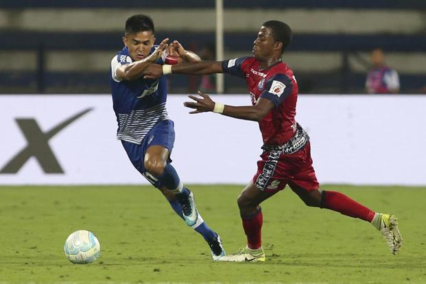 Sunil Chhetri playing for Bengaluru FC in a 2017 ISL match. Photo: AP