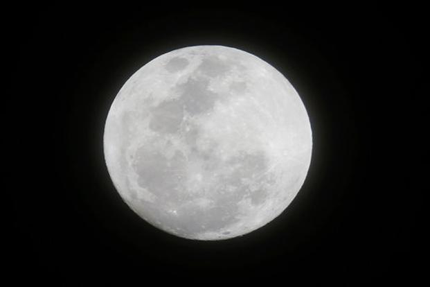 'Wolf Moon', the largest supermoon of 2018, illuminates Wellington night