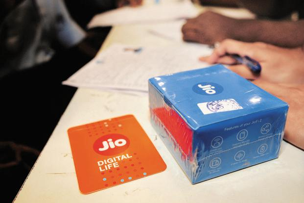 Reliance Jio will also offer 20% more data to users of Rs399 plan by enhancing its validity by two weeks under its Happy New Year 2018 offer. Photo: Indranil Bhoumik/Mint