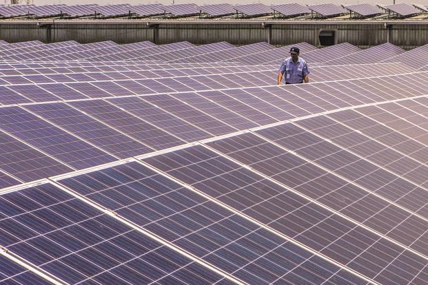 India expects renewable energy to make up 40% of installed power capacity by 2030, compared with 18.2% at the end of 2017. Photo: Bloomberg