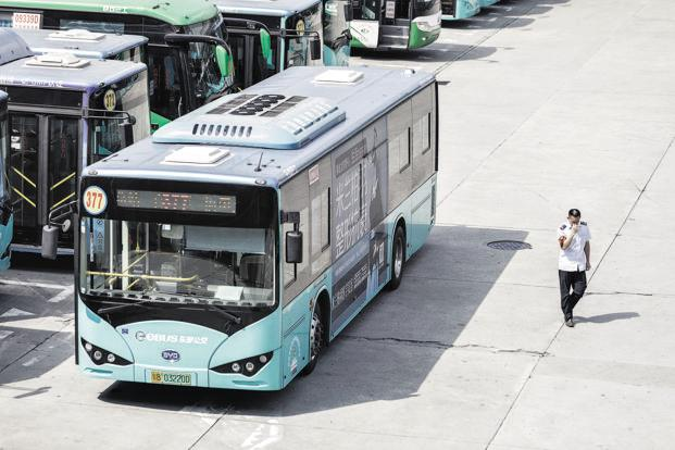 A file photo of a BYD electric bus in Shenzhen. The firm already sells some electric buses in India through Hyderabad-based Gold Stone. Photo: Bloomberg
