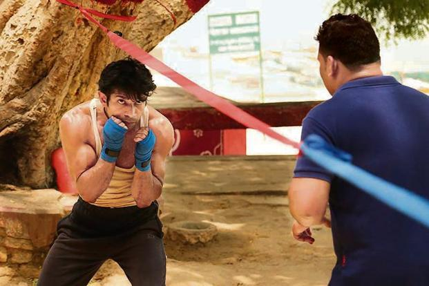 'Mukkabaaz' lead Vineet Kumar Singh practising at a boxing centre in Patiala for his role.