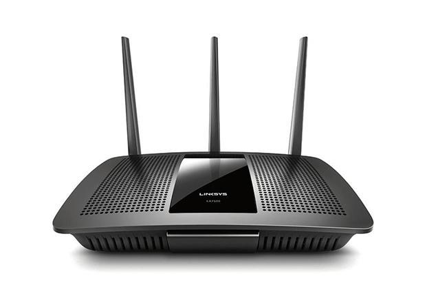 Linksys EA7500 is a dual-band router, with maximum speeds of 1,900 Mbps—1,300 Mbps on 5 GHz band and 600 Mbps on 2.4 GHz band.