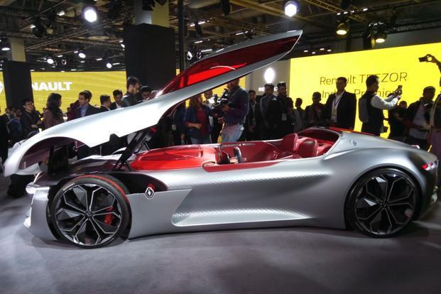 Auto Expo 2018 Renault Showcases Electric Cars Zoe