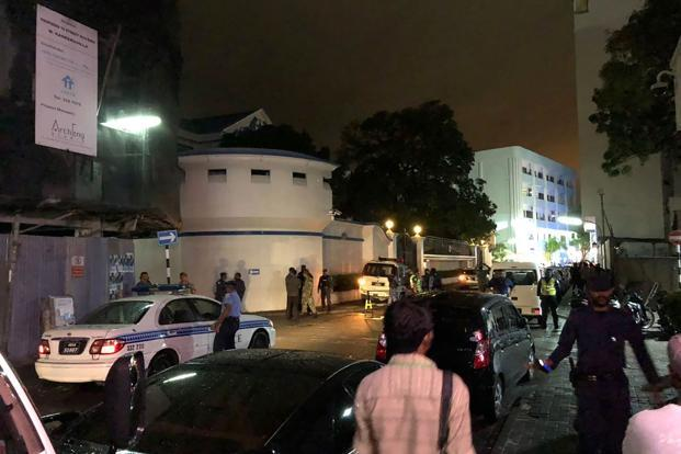 Maldives plunged into a political chaos last week when the country's SC ordered the release of 9 imprisoned opposition politicians, maintaining that their trials were 'politically motivated and flawed'. Photo: AFP