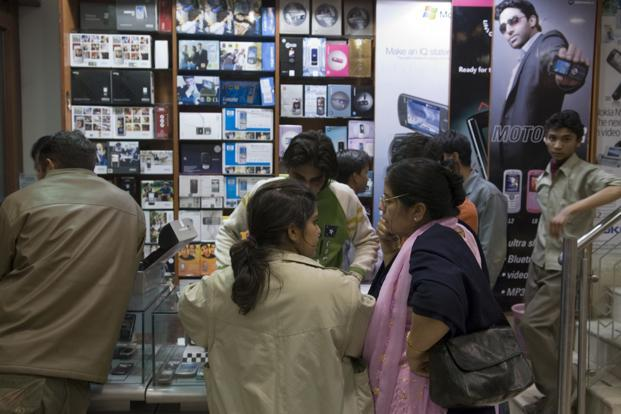 Demonetisation favoured Chinese handset makers at expense of Indian firms: ISB report