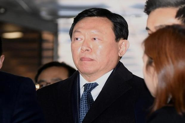 Lotte chief Shin Dong-bin jailed in bribery case that toppled Park Geun-hye's govt