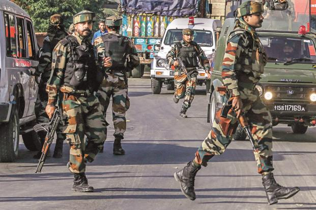 Kashmir: Security forces battle militants in Baramulla, no casualties reported